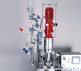 ATEX - konformes In-Linie Rührwerk am Büchi Kiloclave mit Destillationsaufbau