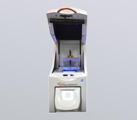 Zellaufschluss-Mühle SPEX 2010 Geno/Grinder® mit geöffnetem Deckel, Ansicht der Probenhalterung