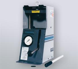 Manuelle SPEX Handhebelpresse 3626 Typ Carver® mit geschlossener Sicherheitstür und abnehmbarem Handhebel