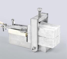 Hochtemperatur-Probenhalter mit Probe und Hot Disk Mica Sensor