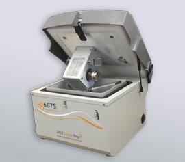 SPEX Kryomühle 6875 Freezer/Mill® mit geöffnetem Deckel und Mahlgefäß Typ 6801 (Mahlkapazität 1 bis 100 g) im Profil