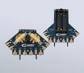 Gamry Batterie-Halterungen mit niedriger Induktivität für zwei Knopfzellen der Typen CR2016, CR2025 und CR2032 oder zwei zylindrische 18650 Zellen optional in Serie width=