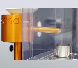 SPEX Sampleprep Katanax XFP-01 FluxPenser® - Einwiegen des Schmelzmittels in einen Platintiegel